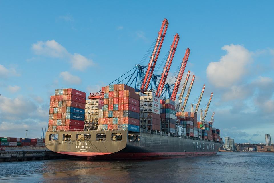 Caractéristiques du plus grand porte-conteneurs du monde